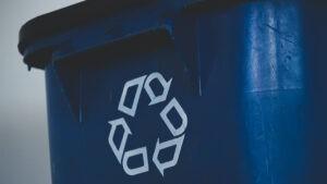 Куда девать пластик: переработка, отправка на полигоны или сжигание?